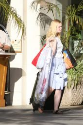 Elle Fanning and Dakota Fanning - Los Angeles 11/25/2017