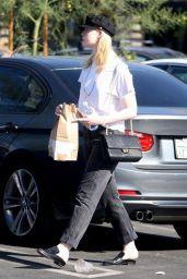 Elle Fanning - Grabs Lunch at Burger Lounge in Van Nuys