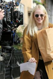 """Emma Stone - Shooting Scenes on the Set of """"Maniac"""" TV Series in NYC 11/10/2017"""