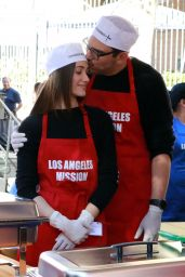 Emmy Rossum – Los Angeles Mission Thanksgiving Meal for the Homeless 11/22/2017