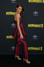 """Erin Holland – """"Pitch Perfect 3"""" Premiere in Sydney"""