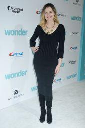 "Geena Davis – ""Wonder"" Premiere in Westwood"