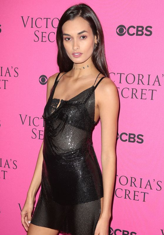 Gizele Oliveira - 2017 VS Fashion Show Viewing Party in NYC
