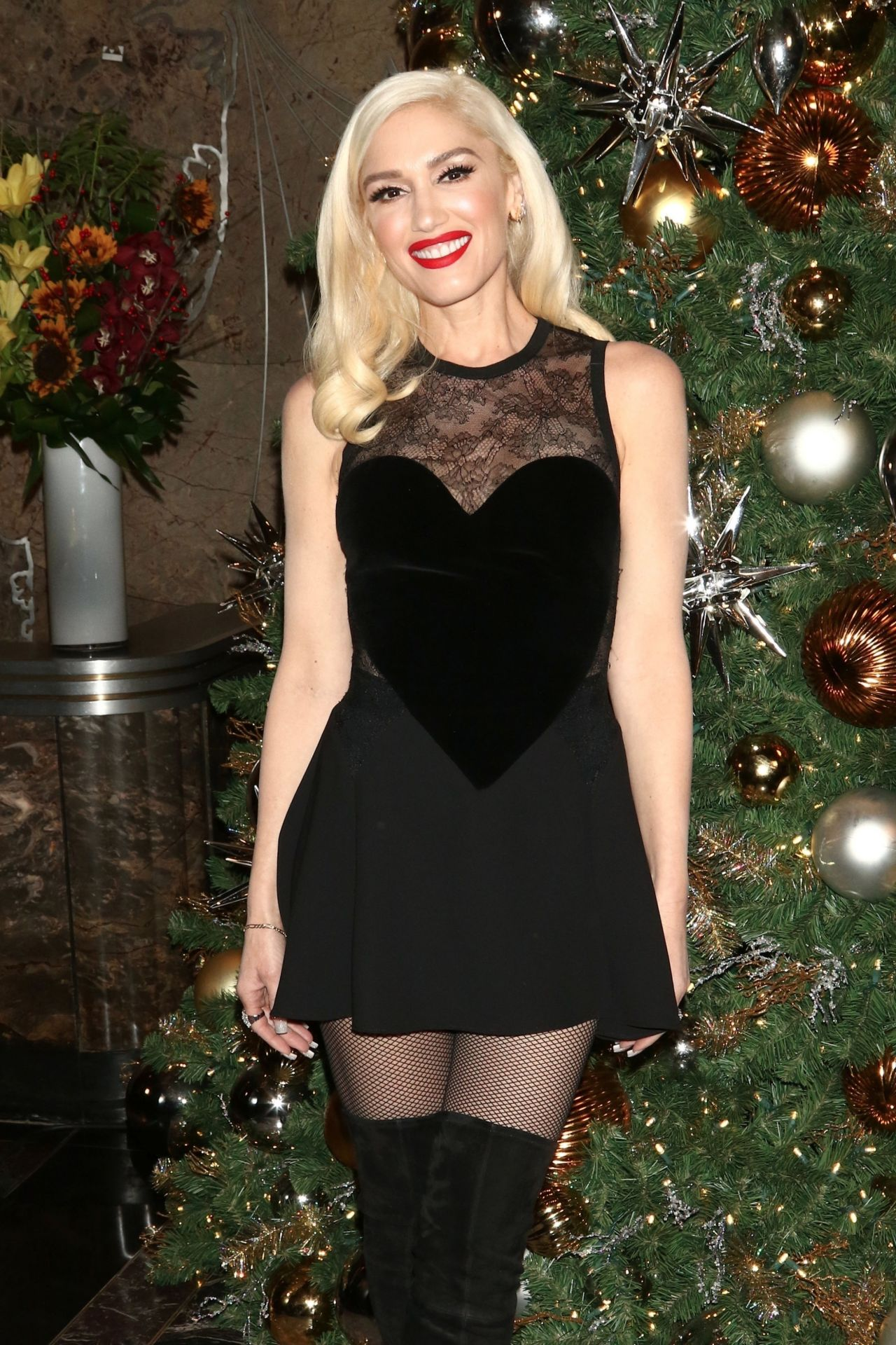 Gwen Stefani - Empire State Building Lighting Ceremony in ...