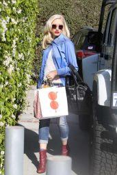 Gwen Stefani Street Fashion - Los Angeles 11/17/2017