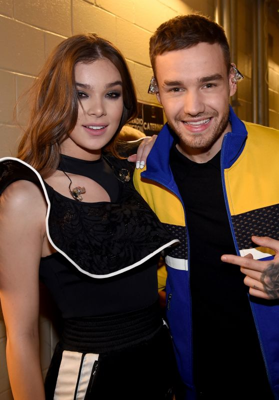 Hailee Steinfeld – Backstage at 106.1 KISS FM's Jingle Ball 2017 in Dallas