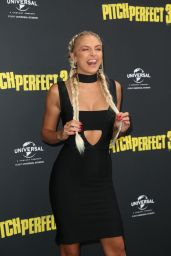 """Hannah Perera – """"Pitch Perfect 3"""" Premiere in Sydney"""