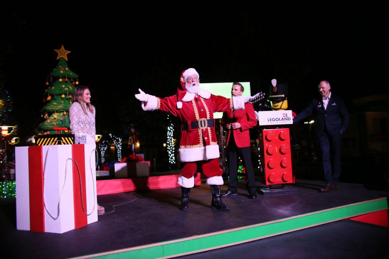Hilary Duff Lights The Lego Christmas Tree At Legoland