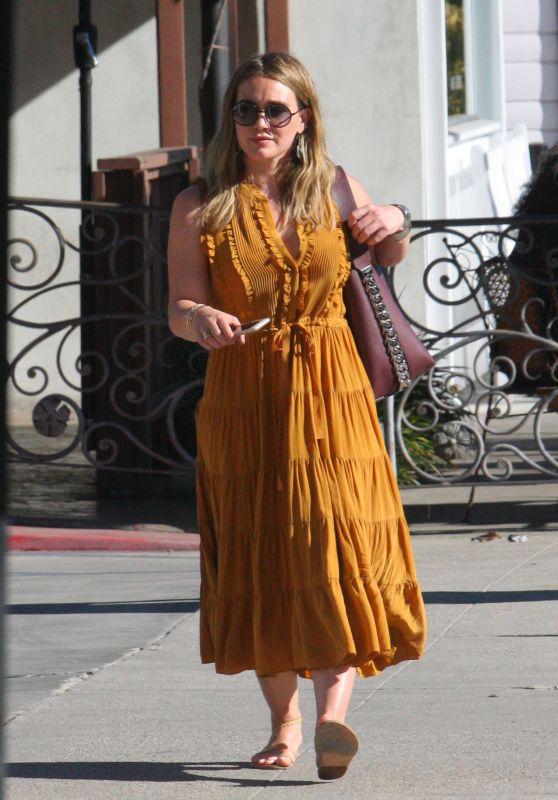 Hilary Duff - Out in Los Angeles 11/24/2017