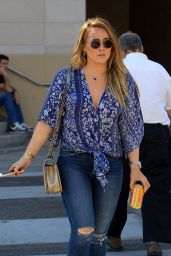 Hilary Duff Street Style - Grabs Lunch at La Scala in LA 11/14/2017