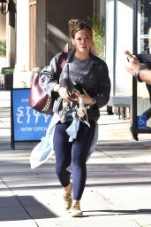 Hilary Duff Street Style - Studio City 11/21/2017