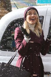 Holly Willoughby - Filming on the South Bank in London 11/09/2017