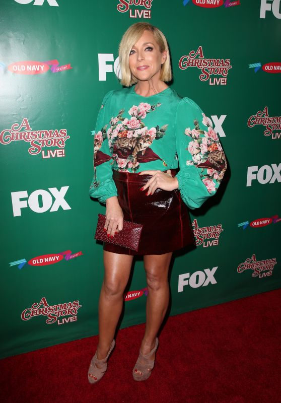 "Jane Krakowski - ""A Christmas Story Live!"" Lighting Event in Los Angeles 11/24/2017"