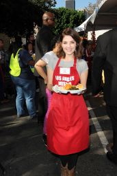 Jen Lilley – Los Angeles Mission Thanksgiving Meal for the Homeless 11/22/2017