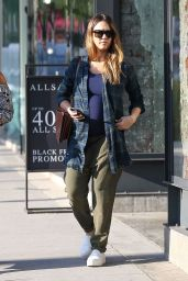 Jessica Alba - Bargain hunting in Beverly Hills 11/26/2017