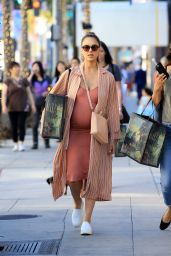 Jessica Alba - Shopping at at Gucci on Rodeo Dr in Beverly Hills 11/25/2017