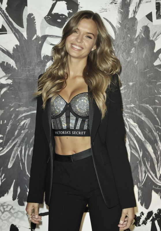 Josephine Skiver – VS Fashion Show and the new VS X Balman NYC