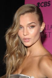 Josephine Skriver - 2017 VS Fashion Show Viewing Party in NYC