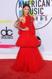 Julia Michaels – American Music Awards 2017 in Los Angeles