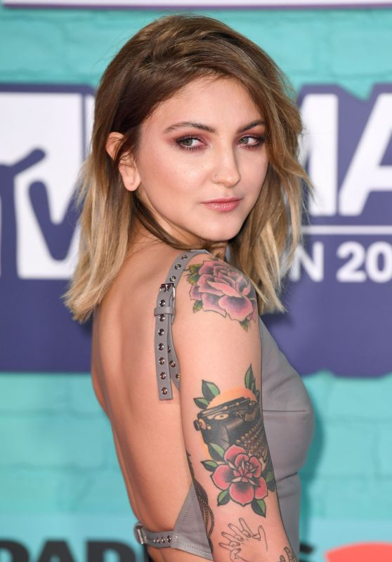 Julia Michaels – MTV Europe Music Awards 2017 in London