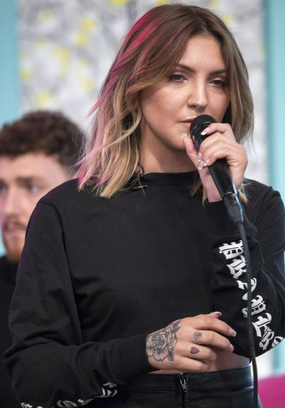 Julia Michaels - Sunday Brunch TV Show in London 11/12/2017
