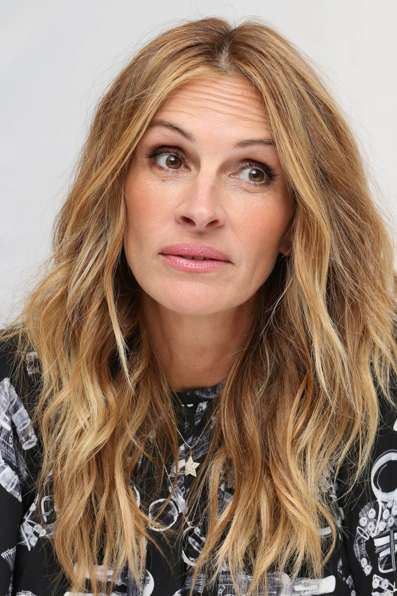 Julia Roberts Quot Wonder Quot Press Conference In London 11 05 2017