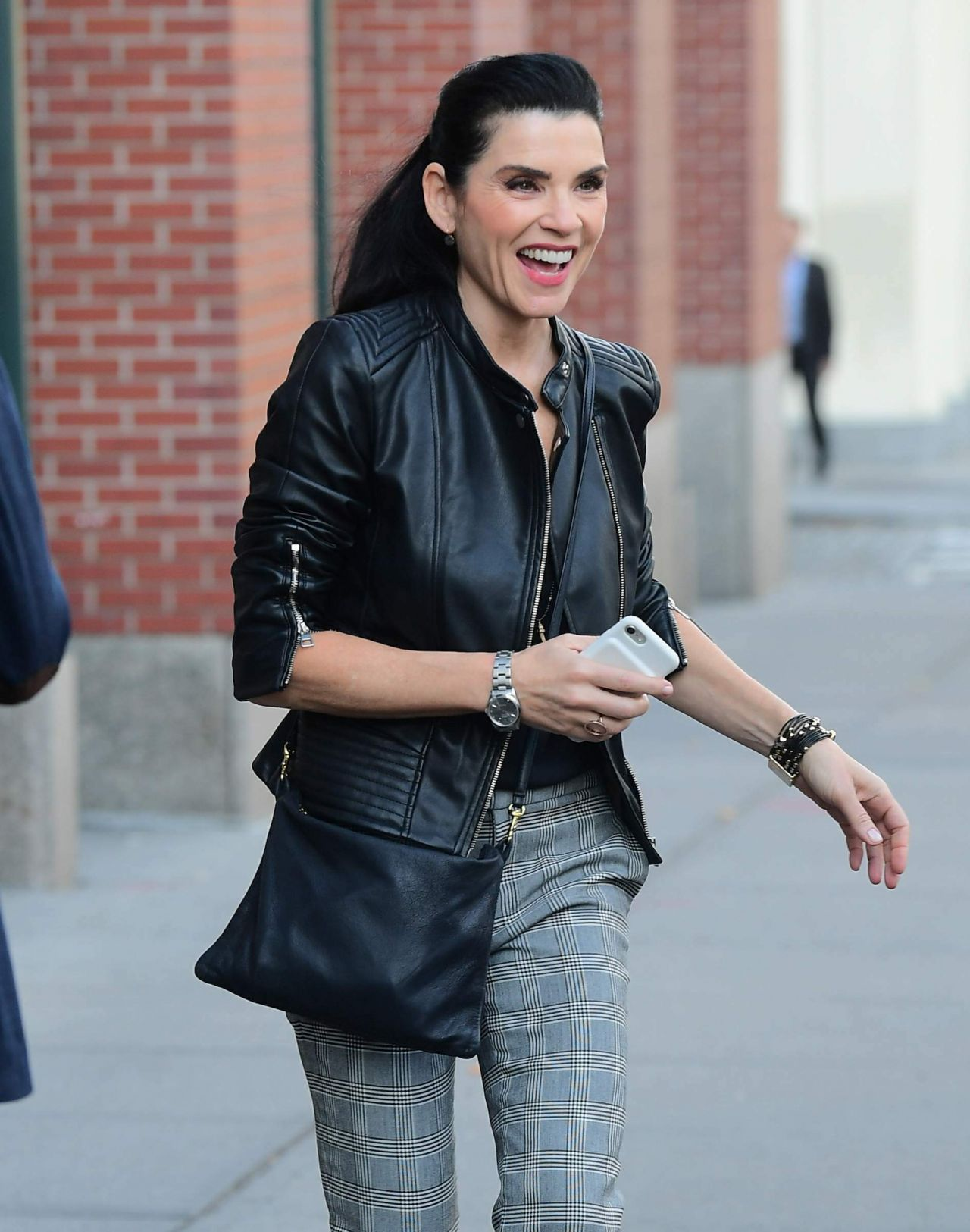 Julianna Margulies Casual Style Nyc 11 03 2017