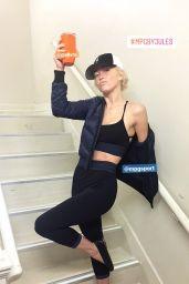 Julianne Hough – Social Media 11/10/2017