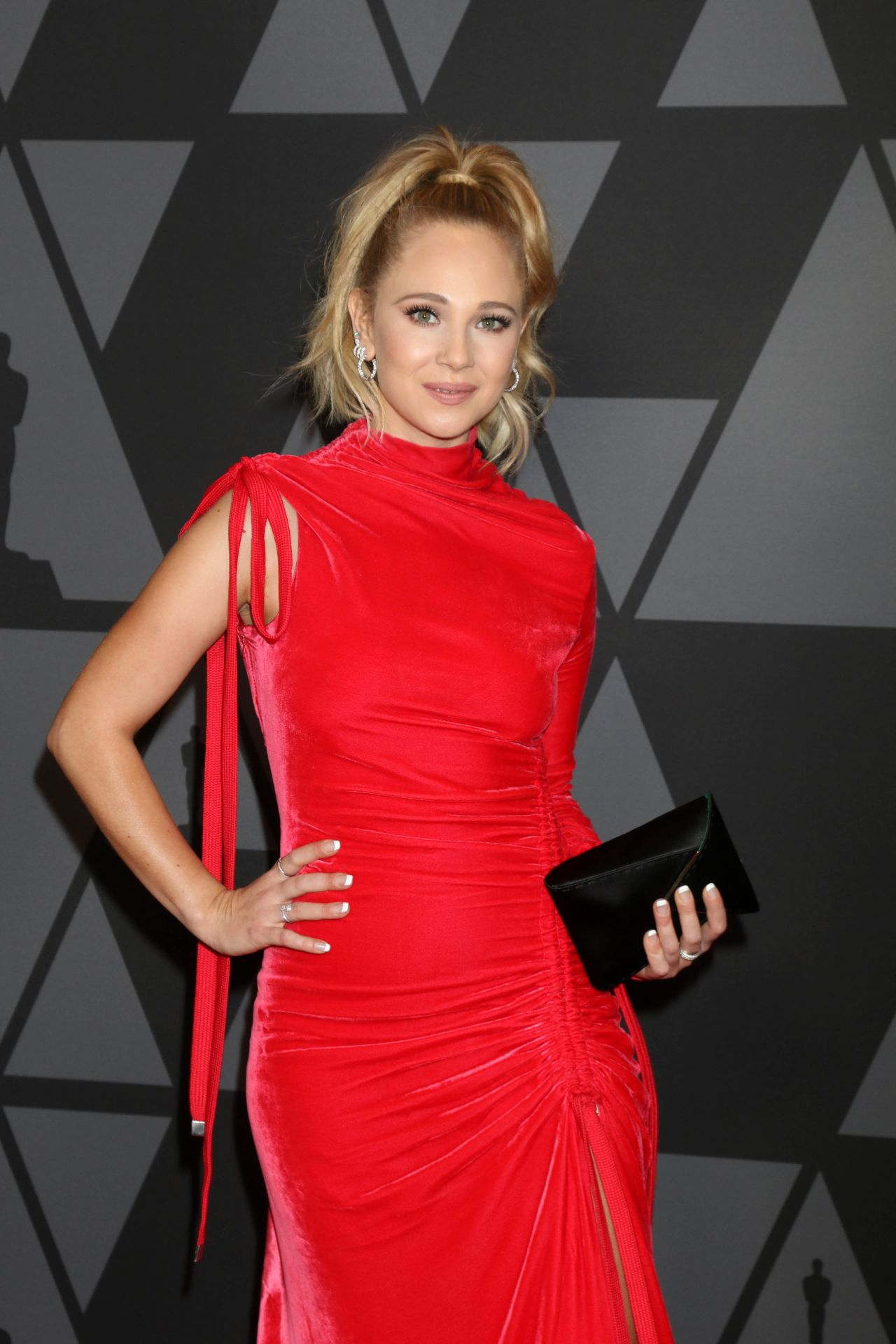 Juno Temple Governors Awards 2017 In Hollywood