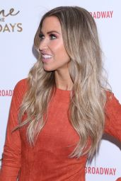 """Kaitlyn Bristowe - """"Home For The Holidays"""" Opening Night in New York 11/21/2017"""