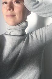 Karine Vanasse – Social Medial 11/13/2017