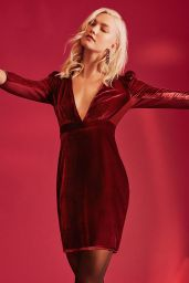 Karlie Kloss - Express Holiday Style 2017