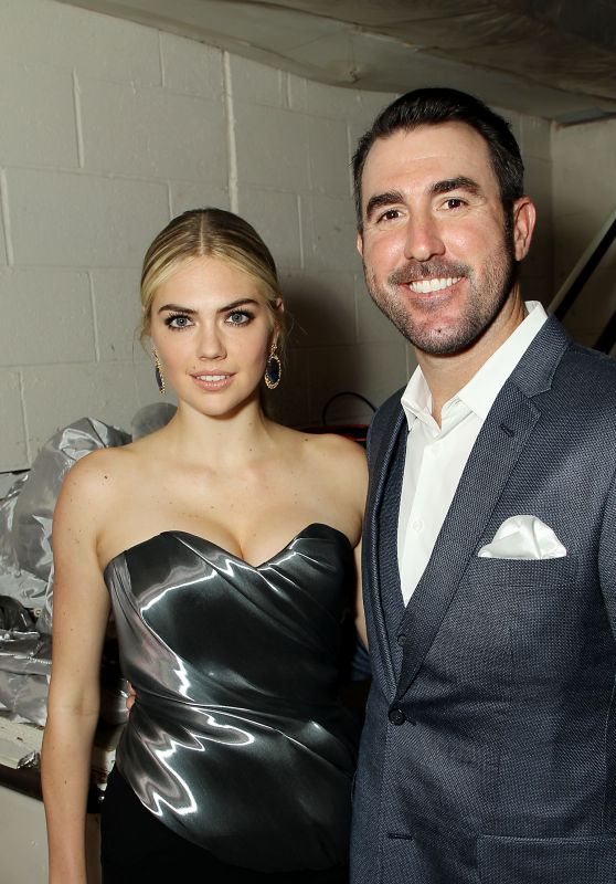 """Kate Upton – """"Night of Too Many Stars: America Unites for Autism Programs"""" in NY 11/18/2017"""
