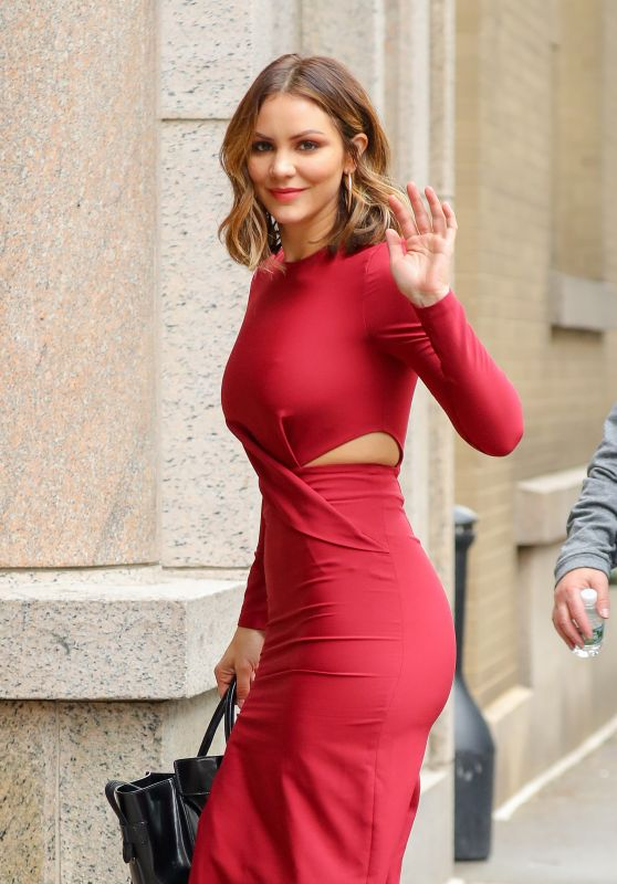 Katharine McPhee Looks Stylish - Arriving at the ABC Studios in NYC 11/22/2017