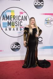 Kelly Clarkson – American Music Awards 2017 in Los Angeles