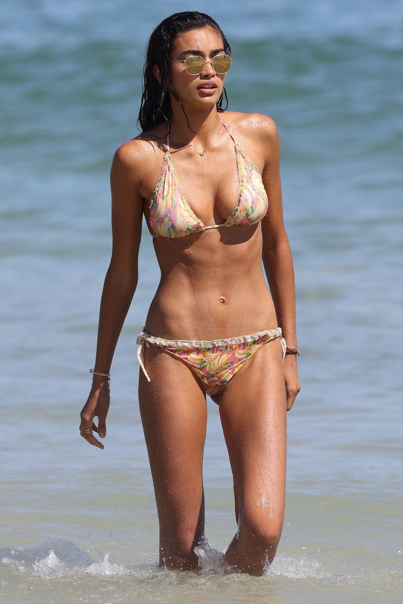 Kelly Gale in Bikini on Bondi Beach in Sydney Pic 10 of 35