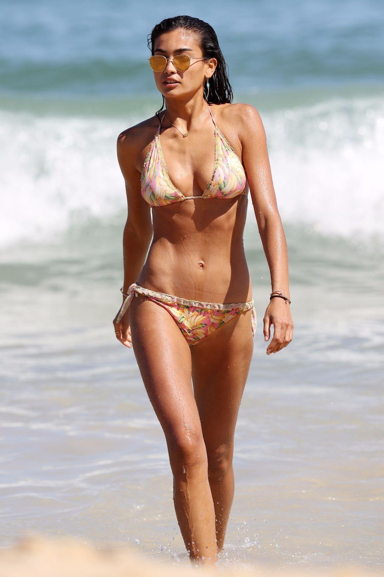 Kelly Gale in Bikini on Bondi Beach in Sydney Pic 3 of 35