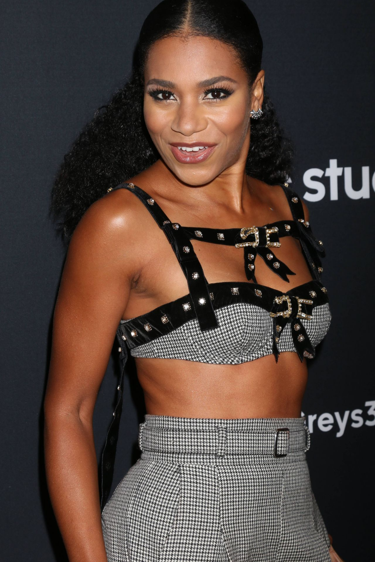 images Kelly McCreary
