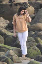 Kendall Jenner Candids - On the Set of a Photoshoot in Malibu 11/07/2017