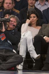 Kendall Jenner & Hailey Baldwin - New York Knicks vs LA Clippers in NYC 11/20/2017