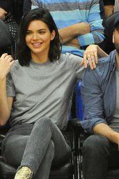 Kendall Jenner - Los Angeles Clippers VS Philadelphia 76ers in LA 11/13/2017