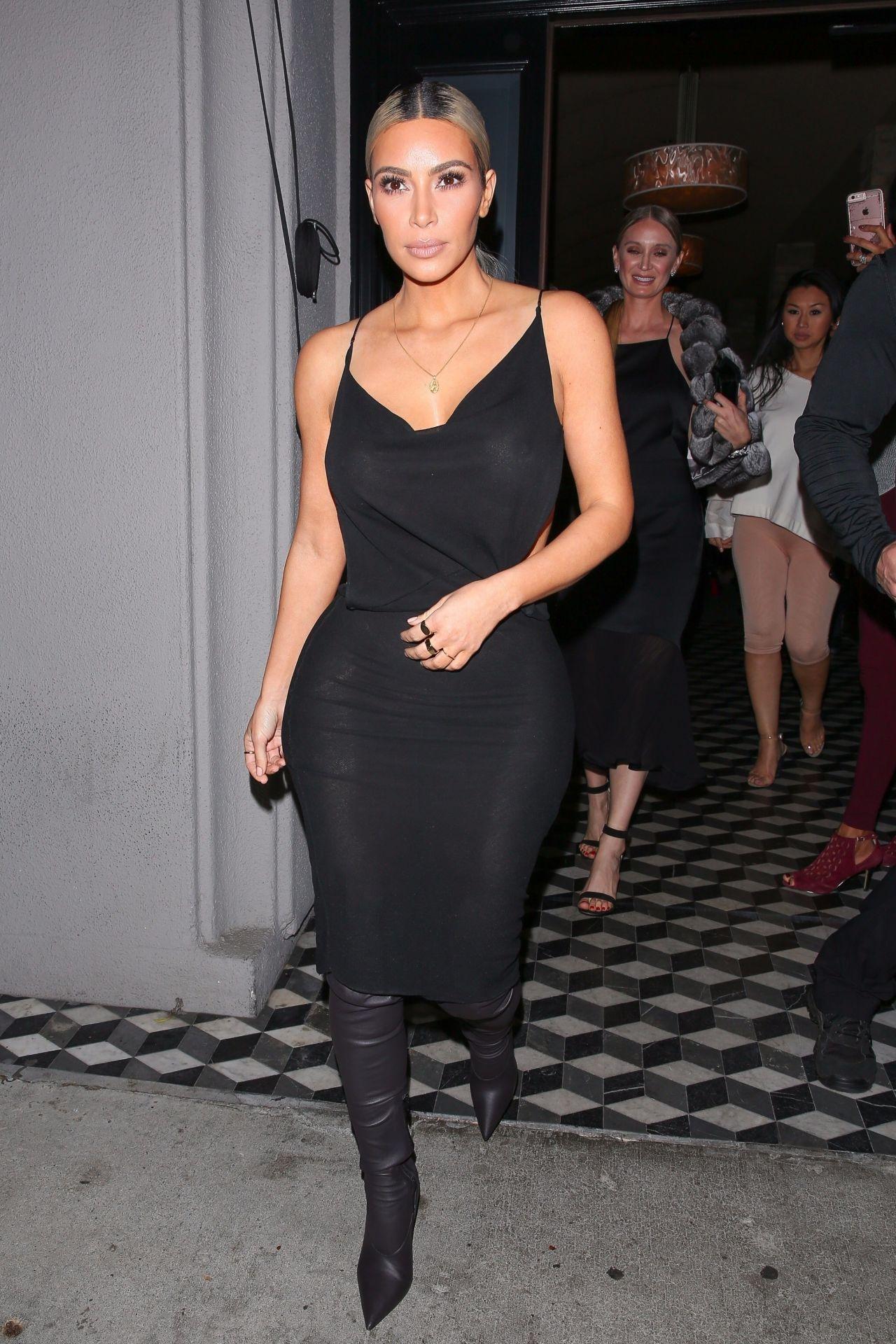 Kim Kardashian Night Out Style Craig S Restaurant In
