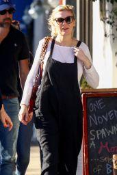 Kirsten Dunst - Stops by Joan
