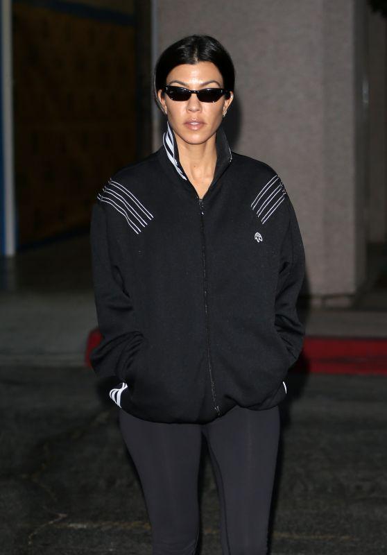 Kourtney Kardashian in Tights - Leaving Her Class in LA 11/14/2017