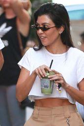 Kourtney Kardashian - Leaves Cecconi