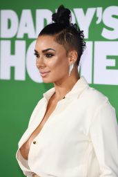"Laura Govan – ""Daddy's Home 2"" Premiere in Westwood"