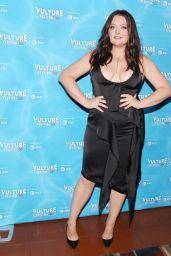 "Lauren Ash – ""Unreal vs Superstore"", Vulture Festival in LA 11/18/2017"