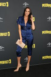 "Lauren Vickers – ""Pitch Perfect 3"" Premiere in Sydney"