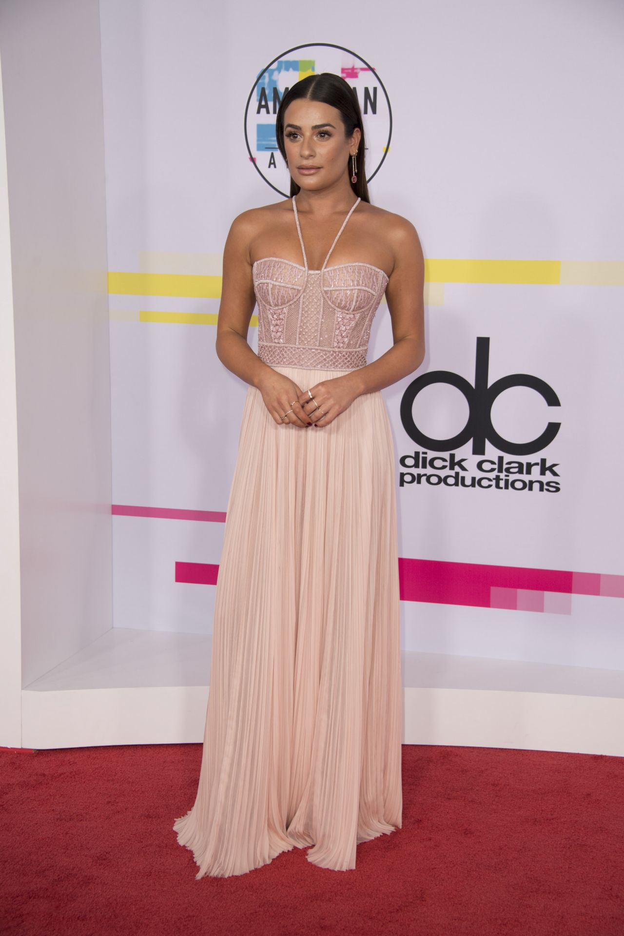 http://celebmafia.com/wp-content/uploads/2017/11/lea-michele-american-music-awards-2017-in-los-angeles-3.jpg