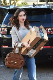Lily Collins - Drops Off a Package at the FedEx in Beverly Hills 11/21/2017